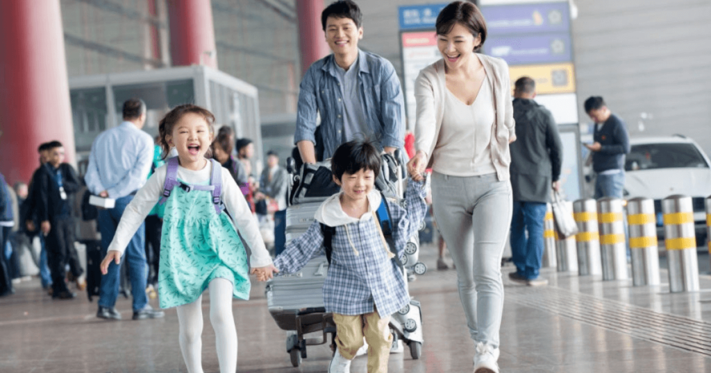 7 Simple Ways To Prevent Technology From Ruining Your Family Travel