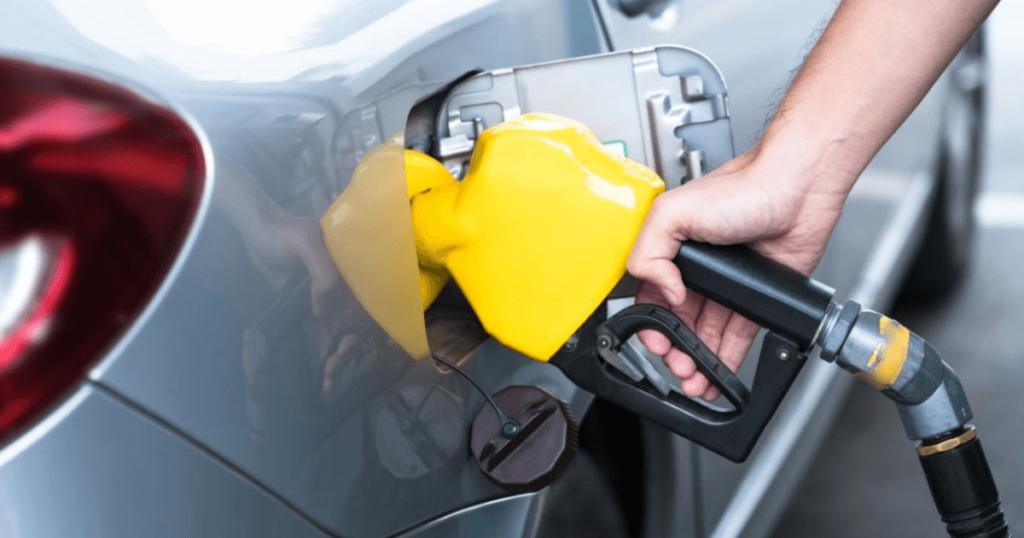 9 Hacks to Minimize your Car Fuel Consumption and Save Money on Gas
